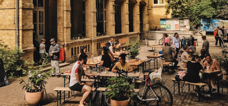 Outdoor Hambuerg Cafe Featured